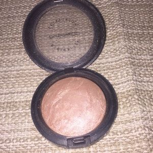 Mac soft and gentle mineralize skin finish